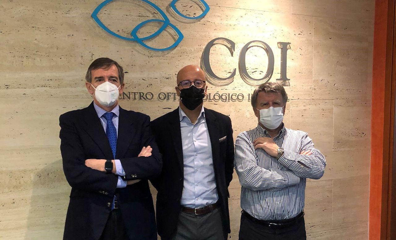 Ramón Berra con fundadores COI